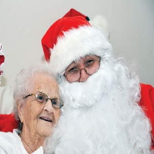 How to Help a Senior Citizen Enjoy Christmas #stepbystep