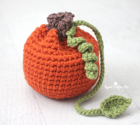 Free crochet pattern: Pumpkin Pouch by Repeat Crafter Me