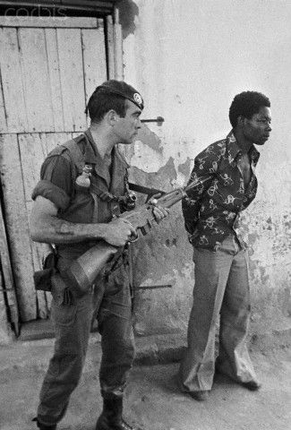 On May 19, paratroopers from the French Foreign Legion were parachuted into Kolwezi to rescue the hostages held by the FLNC (Congolese National Liberation Front).