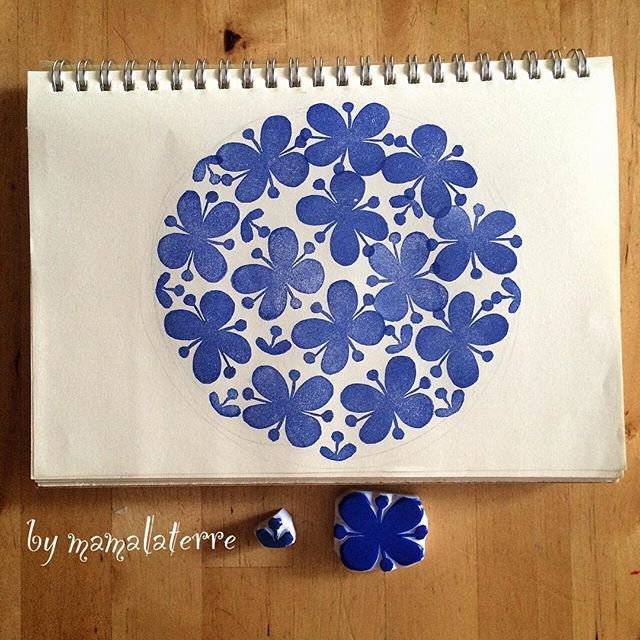 Pattern no2.... Simple one again . Big one by mama small one by Laterre. #handmade #hanco #hanko #rubberstamp #eraserstamp #bymamalaterre #fabricprinted #