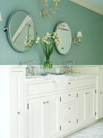 Sophisticated Style: Glass Knobs, Idea, Marble, Sophisticated Style, Farmhouse Style, White Paints, Simple Turned Sophisticated, Bathroom
