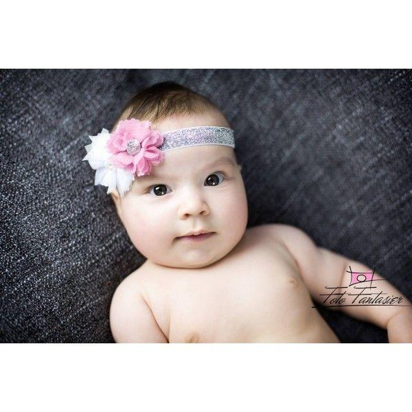 Sødt sølv glimmer hårbånd med hvid og gammelrosa tylblomst til baby og børn