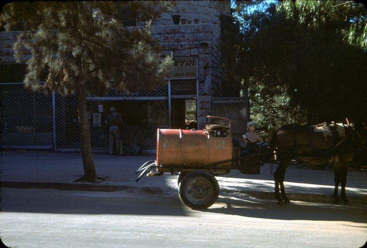 Kerosene cart, Jerusalem, July 1950. (ELK photo)