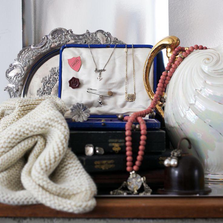 #jewellery #pinkbeads #ring #earings #pearl #silvertray #vintage #vignette #inspiredbysibellacourt #styledbyplacesandgraces