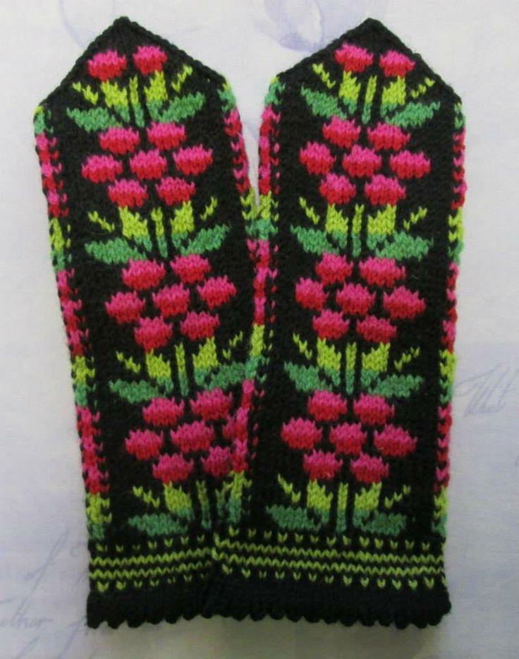 Estonian knitting traditions