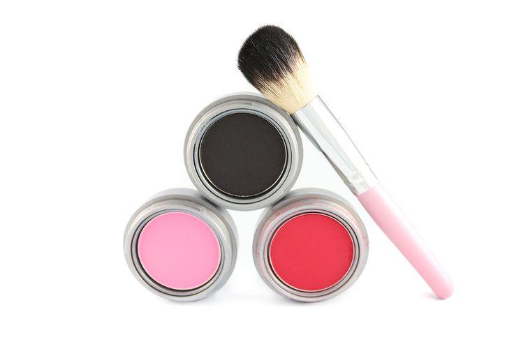Pronte per l'estate? Non scordate di curare il vostro make up e scegliere i prodotti giusti con i suggerimenti della nostra Stella Tagliazucchi MakeUp Artist su http://www.stilefemminile.it/tips-di-makeup-per-lestate/