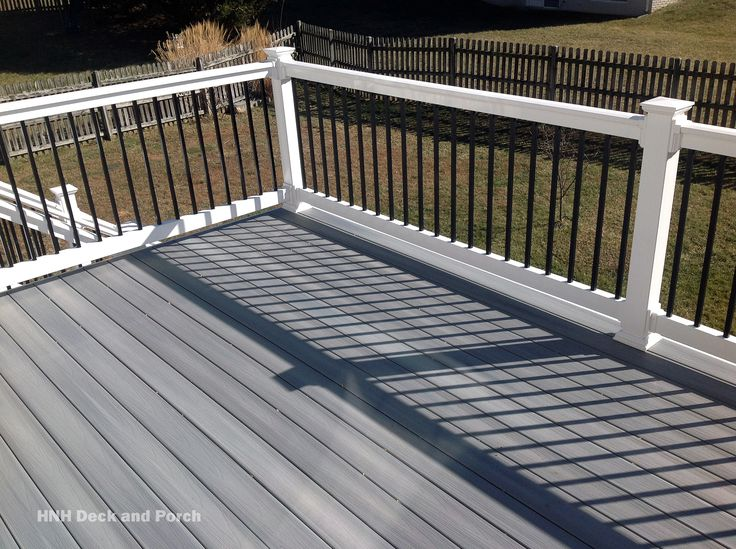 Best 25 gray deck ideas on pinterest grey deck stain for Balcony colour combination