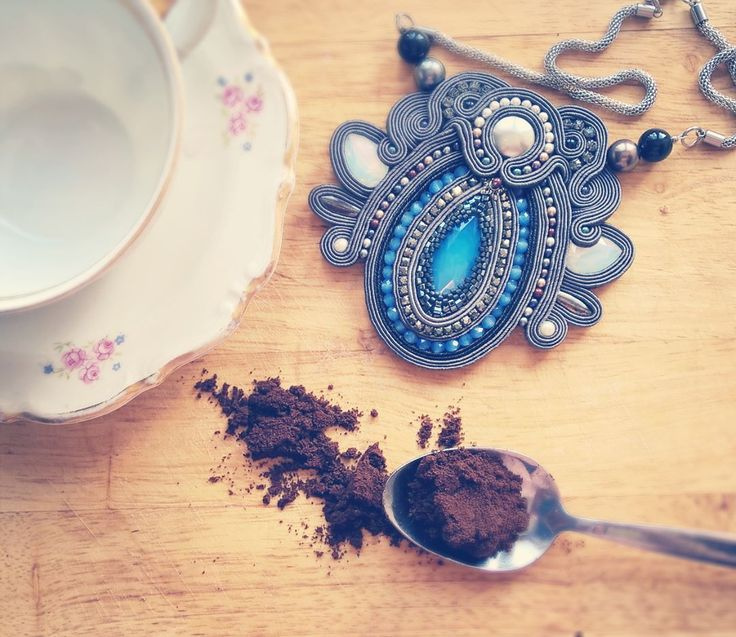 it is coffe time ☕  czas na kawę ❤  #coffetime #break #kawa #czasnakawe #przerwa #sutasz #sutache #szczecin #crystals #swarovski #beautiful #photooftheday #accesories #naszyjnik #necklace #perly #pearl #handmade #italia #poznan #collana #collar #kobiece #feminine #fallow #grey #lovegrey #szary #kochamszary