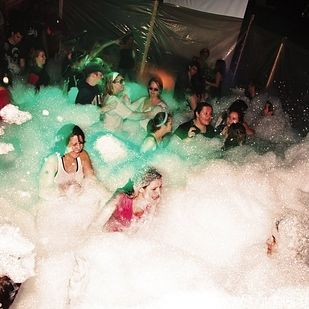 15 Insane College Parties That Will Make You Want To Transfer - BuzzFeed Mobile