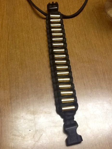 Cool paracord bracelet idea all things paracord from for Cool things to do with paracord