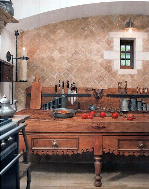 There is a very traditional piece of French furniture that has found its way from a butchers store to many fashionable kitchens - it is the 'billot de boucher', (pronounced bee-o de booshay) or the butchers table.