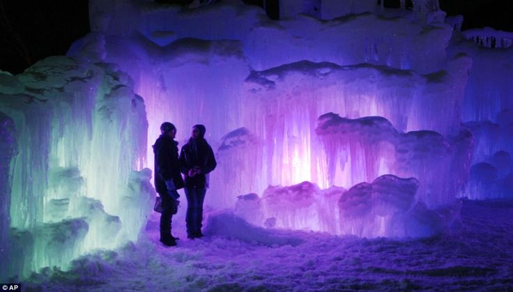 Lincoln NH Ice Castle | ... ice castle at the base of the Loon Mountain ski resort in Lincoln, New