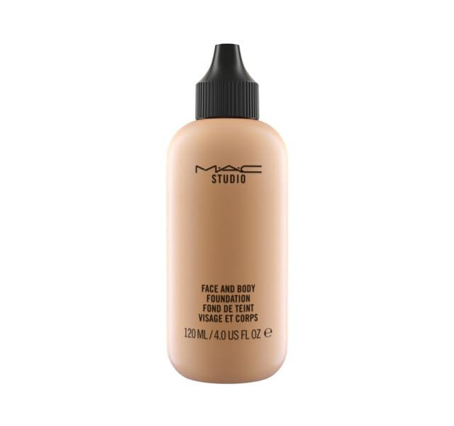 A comfortable, lightweight fluid foundation with a unique blend of emollients that delivers low-to-medium buildable coverage and a natural satin finish. The moisturizing, long-wearing formula glides onto face and body providing stay-true colour.