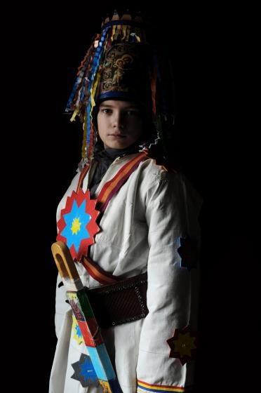 A Banat Christmas caroler, captured by Iwajla Klinke, a German photographer from Berlin. #RomanianPopularCostume #Romania