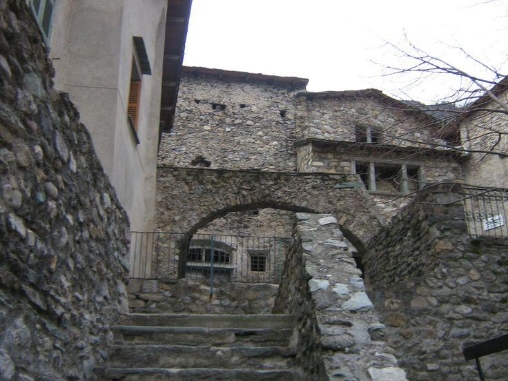 Case In Pietra Antiche : Case in pietra case moderne in pietra with case in pietra case