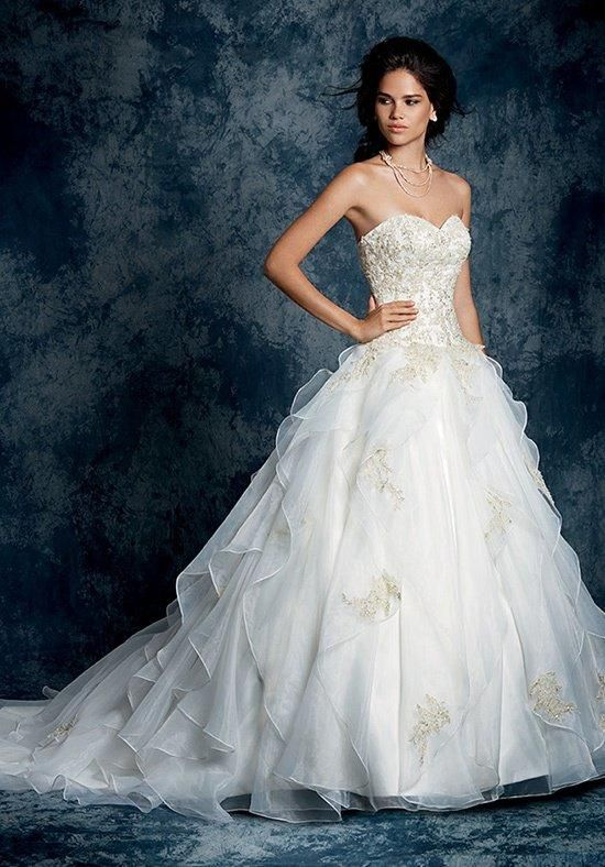 Alfred Angelo Sapphire 899 Wedding Dress - The Knot
