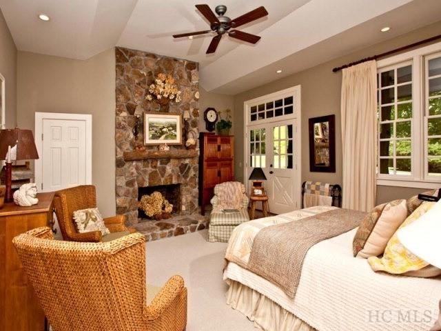 1376 Highgate Rd, Highlands, NC 28741