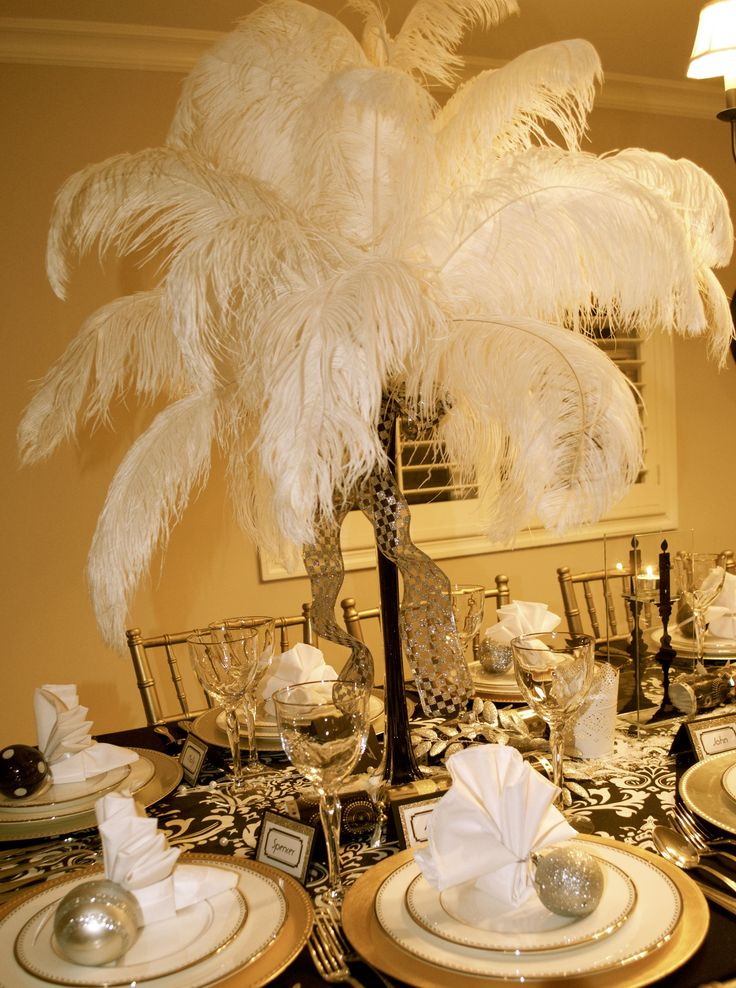 Gatsby New Year Tablescape - BeBetsy @Ashley Sparks #tablescape #tabledecorating #partytables