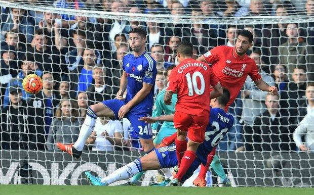 LONDON, ENGLAND - OCTOBER 31: (THE SUN OUT, THE SUN ON SUNDAY OUT) Philippe Coutinho of Liverpool scores an equalising goal during the Barclays Premier League match between Chelsea and Liverpool at Stamford Bridge on October 31, 2015 in London, England. (Photo by John Powell/Liverpool FC via Getty Images)