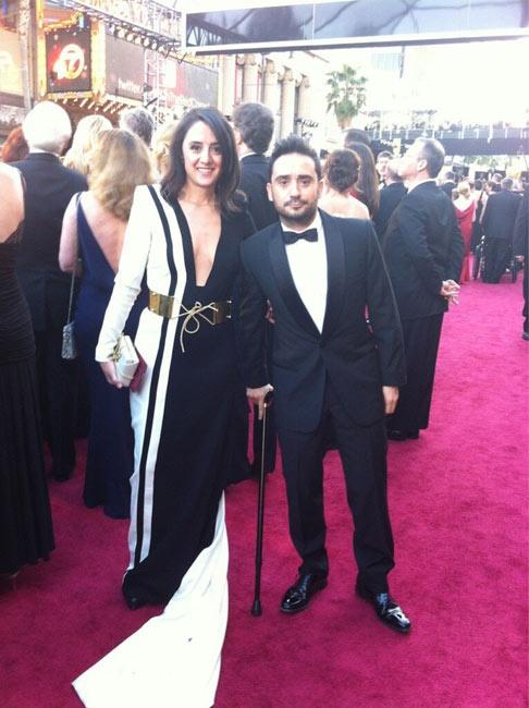 Juan Antonio Bayona sufrió una rotura fibrilar en el gemelo derecho durante la pasada gala de los Goya, aunque su lesión no le ha impedido acudir a los Oscar