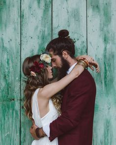 That colour palette though crazy gorgeous  Shot by @margherita_calati_photography  #beautiful #love #bridetobe #bride #groom #weddinginspiration #weddinggown #bridalgown #bridal #pineapple #weddingstyle #wedding #bridalfashion #weddingphotographer #weddingphotography #styledshoot #bohemianbride #bohemian by festivalbrides