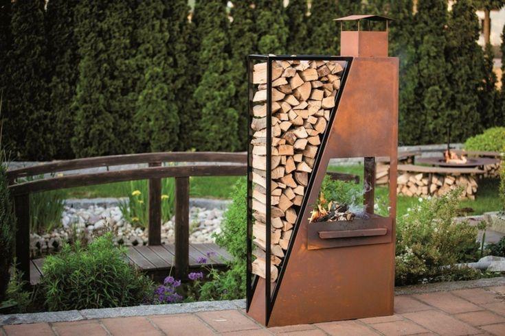Gartendeko aus Rost - Ein praktischer Grill mit Fach für das Holz