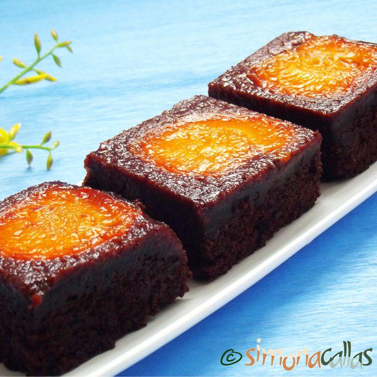 Negresa cu ciocolata si caise Aceasta prajitura e un deliciu. Cremoasa, ciocolatoasa, dulce-acrisoara - un desert de vis. Cine a gustat-o...