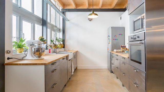Les 25 meilleures id es de la cat gorie cuisines grises - Meilleur peinture pour cuisine ...
