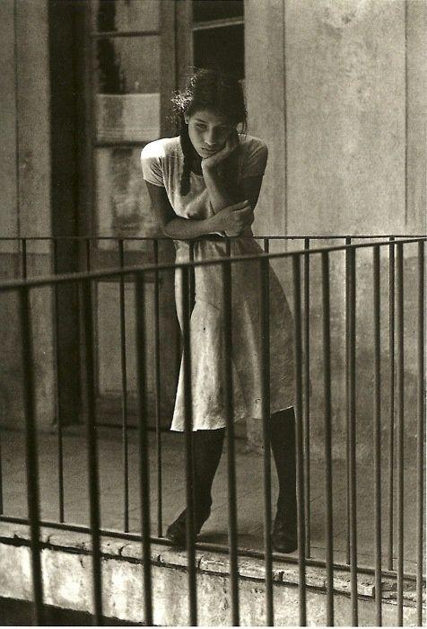 lemontreesoceanbreeze:  (via Manuel Álvarez Bravo Daydreaming, 1931 | Photos: Sepia Shades)