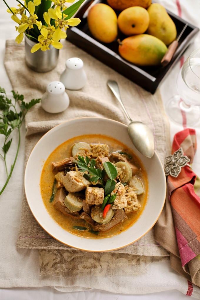 CookingTackle: Lontong Lodeh / Variant vegetables stewed in coconut milk serve with rice cakes