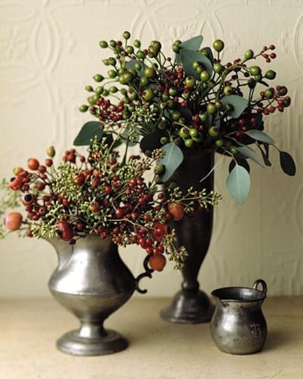 Holiday Arrangements: Shake Your Rose Hips
