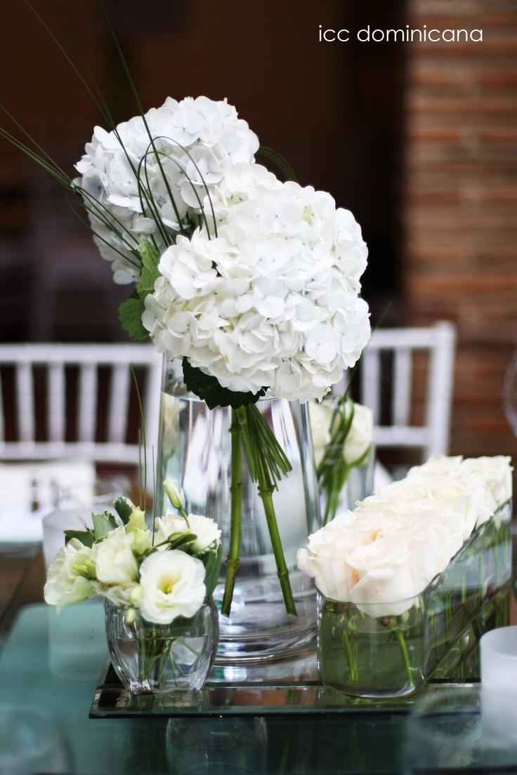 white hydrangeas wedding arrangements