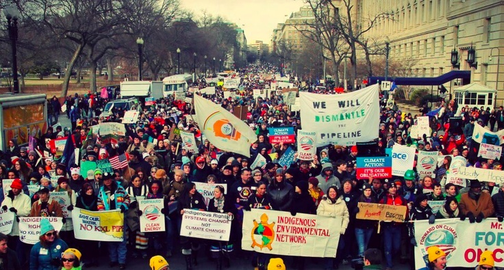 Amazing photo. 50,000 people came together on the streets of Washington, DC, to march for climate action.   https://twitter.com/USDayofRage/status/303268284055293953/photo/1#