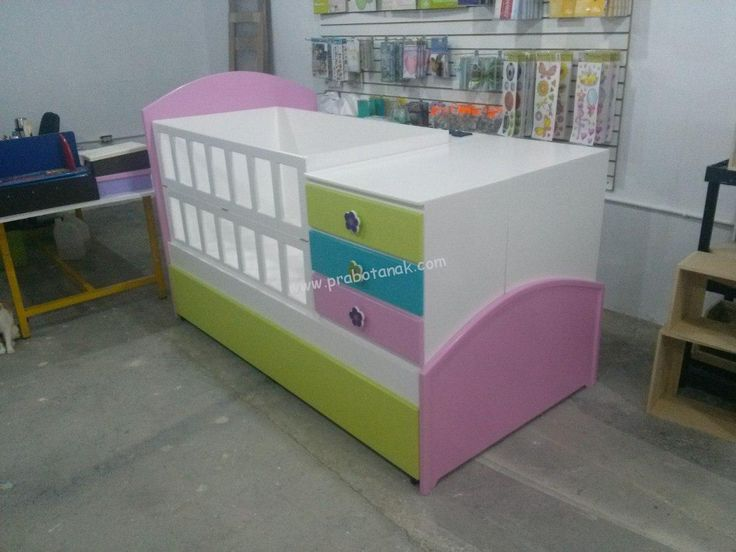 Tempat Tidur Bayi Perempuan Murah