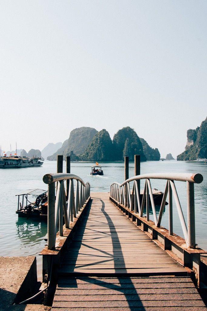 Full post about the Halong Bay Cruise in Vietnam!  http://thehappyjetlagger.de/halong-bucht-bootstour-vietnam/