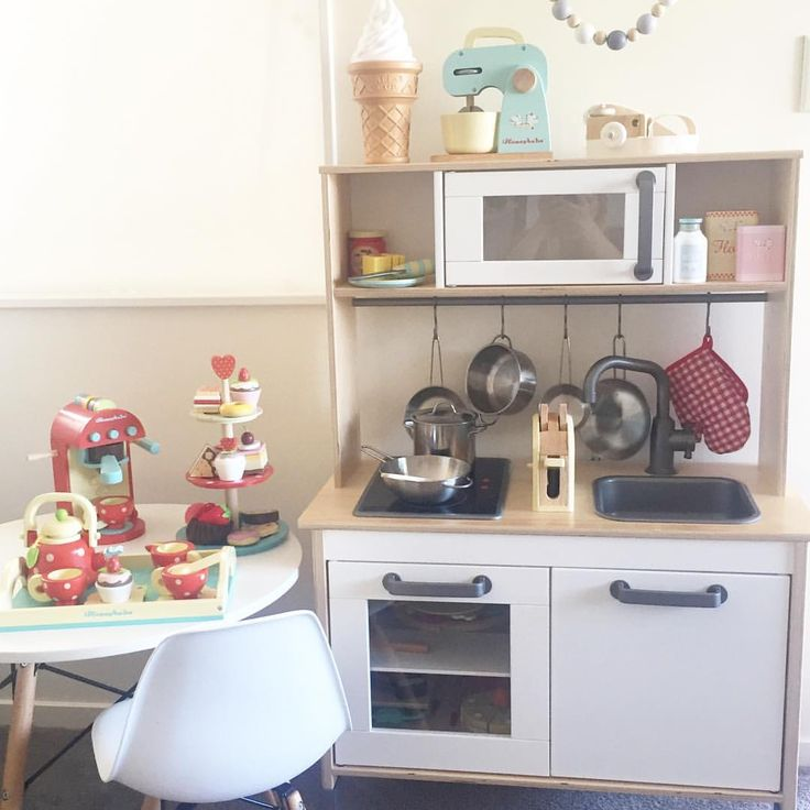 """92 Likes, 11 Comments - Sarah Bennett (@life_with_quinn) on Instagram: """"This kids set up puts our actual kitchen to shame 🙈😂"""""""