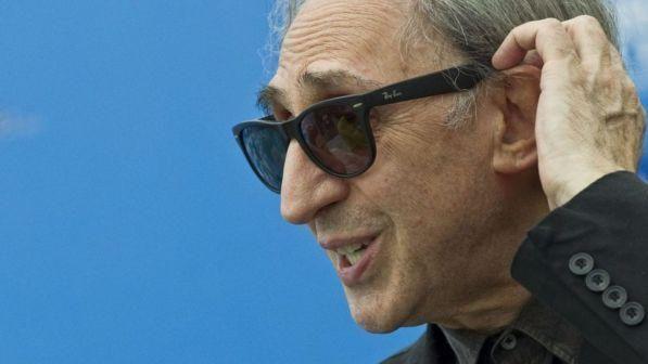 """Franco Battiato, la musica è la sua """"cura"""" per aiutare la ricerca contro le malattie genetiche rare"""