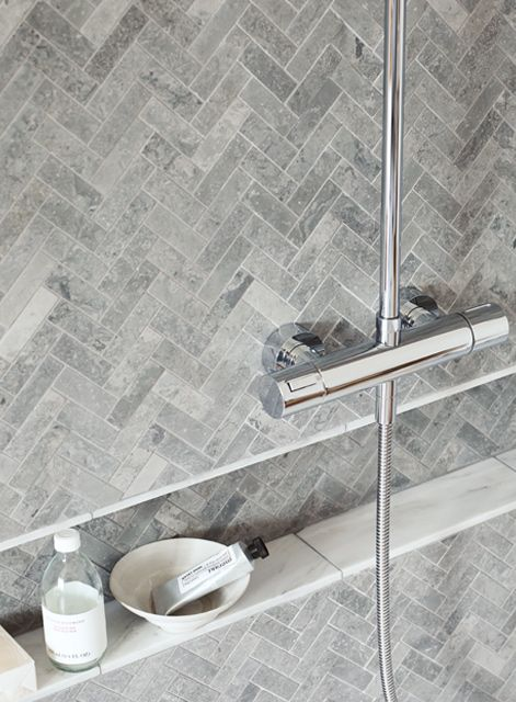 Hampton Bays Herringbone Mosaic with East Hampton marble tiles http://www.firedearth.com/tiles/range/hampton-bays/mode/grid
