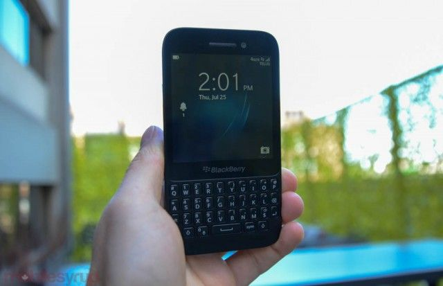 BlackBerry Q5 now available in Canada for $350 outright Telus Fort Saskatchewan Cornerstone Mall 780-998-9551 http://www.mobilityhelp.com