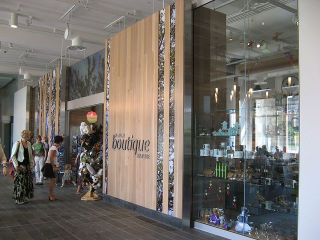 The Nature Boutique at the Canadian Museum of Nature features a selection of unique gifts for kids, beautiful jewels and souvenirs related to nature and our exhibitions.