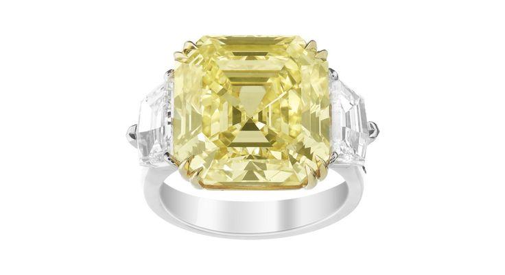 Dernière pierre en date à avoir affolé les enchères, le diamant fancy blue de Mrs. Paul Mellon et ses 9.75 carats d'une couleur surréaliste adjugé le 20 novembre dernier chez Sotheby's pour plus de 26 millions d'euros. Du bleu, mais aussi un vert d'eau, un jaune jonquille, un orange incendiaire ou un rose éclatant... Tour d'horizon chromatique de ces trésors de la nature, déclinés en un nuancier hypnotique.