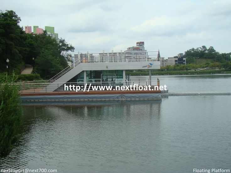 This is a floating cafeterial located in Ulsan, Korea. NEXT FLOAT has been applied for its based on the water.  울산에 설치된 수상카페테리아로써 구조물을 띄우기 위해 넥스트플로트가 적용된 사례입니다.