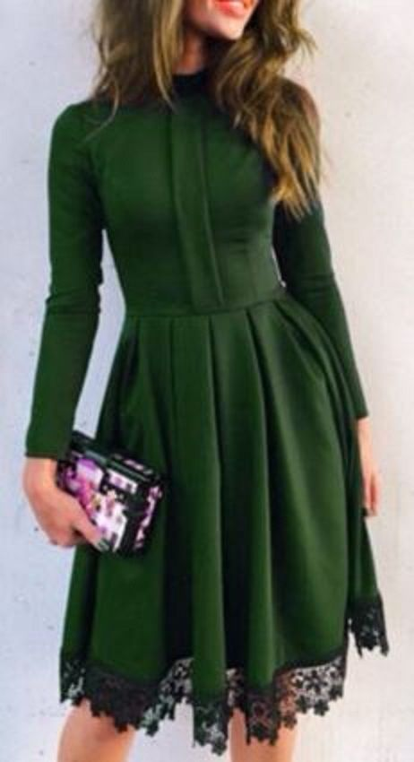 Gorgeous Emerald Green Round Collar Long Sleeve Elegant Black Lace Hem Ruffled Holiday Party Dress