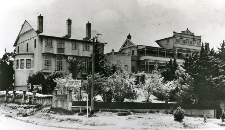 Chateau Napier, Leura, in its heyday