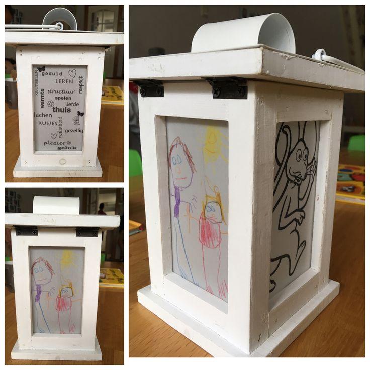 Lantaarn met tekst, foto en tekening op perkamentpapier als afscheidscadeau voor gastouder