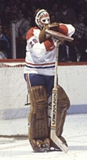 Ken Dryden's legendary pose. He was huge! Not many goalies are this tall anymore.....