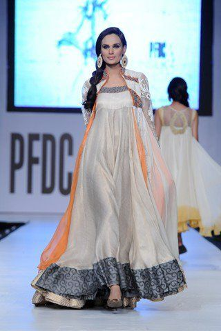 Asifa and Nabeel are amazing designers! Their designs are very original andextremelypopular. The duo showed their highly commercial d...