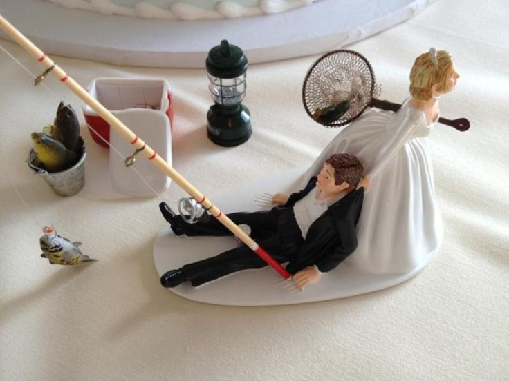Best 25 funny wedding gifts ideas on pinterest wedding for Fishing cake toppers