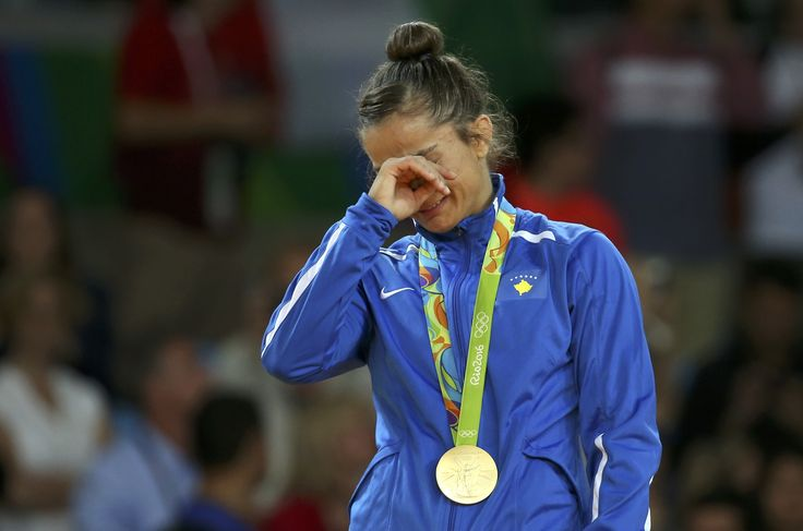 """Criada na guerra, heroína põe Kosovo no mapa olímpico: """"Uma sobrevivente"""" #globoesporte"""