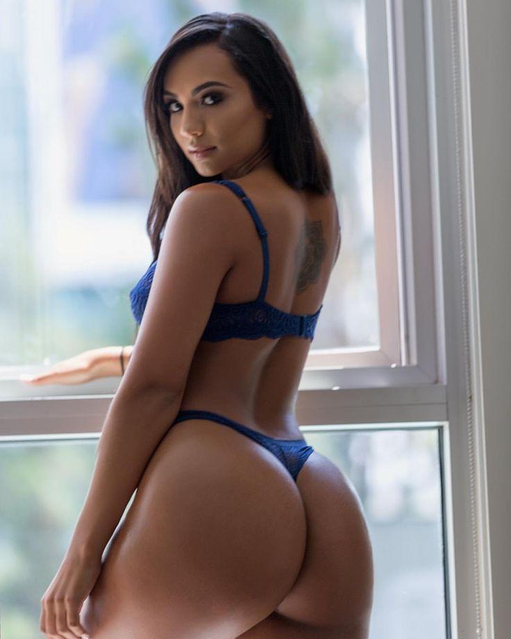Retro nude задницы